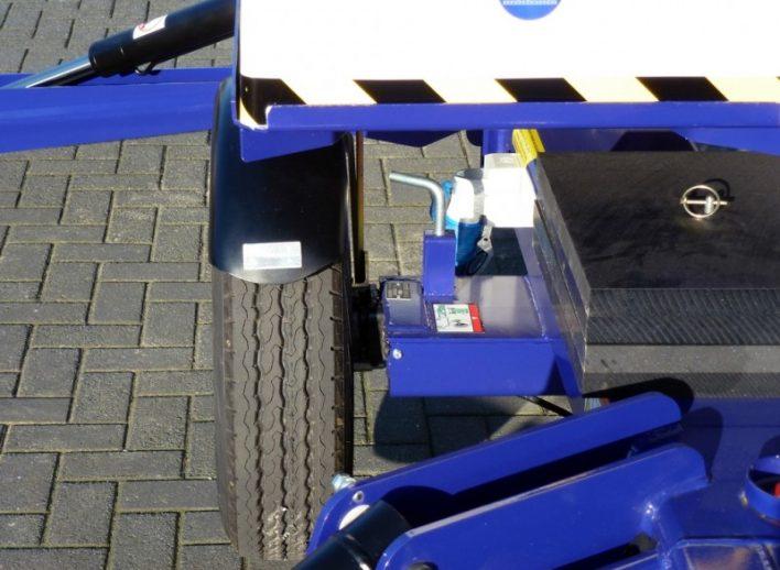 aanhanger en hoogwerker in één met ingeschoven wielas transportbreedte 1,1 meter