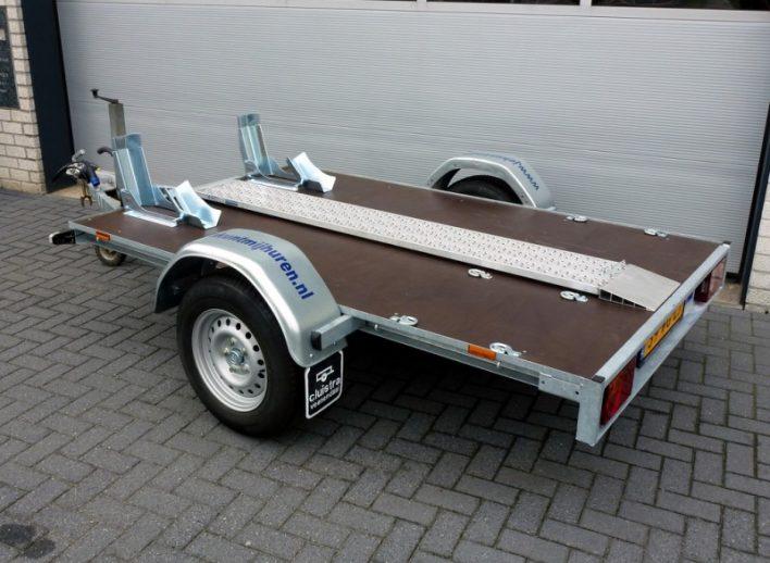 motortrailer-huren-geremd-wielblokken