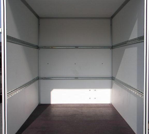 dichte-aanhangwagen-binnenkant