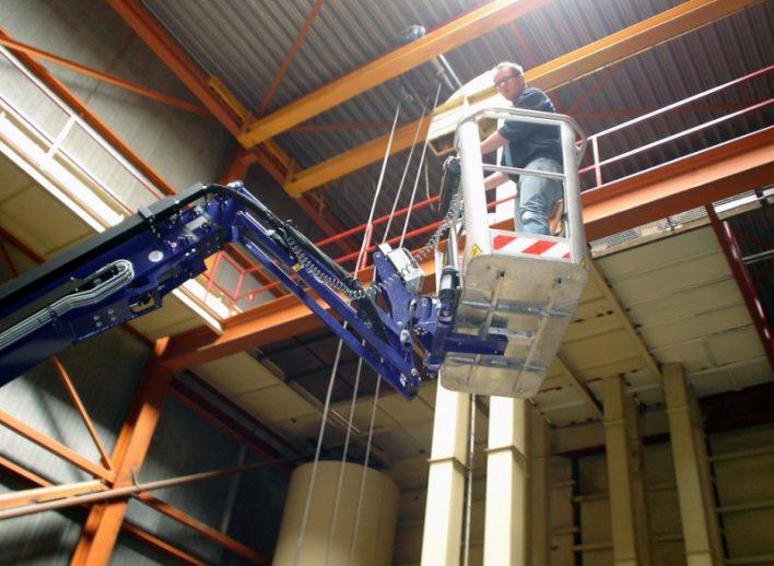 speciale-schilderklus-23-meter-spinhoogwerker-22-12