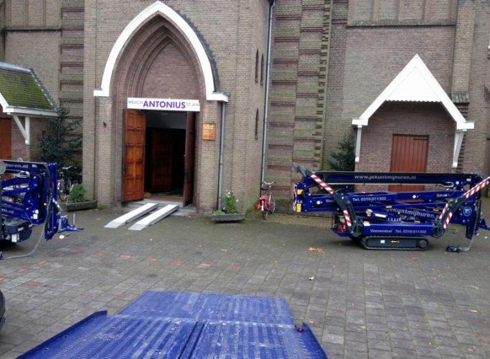 spinhoogwerkers-in-kerk-28-11