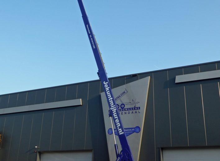 Telescoophoogwerker op volledige werkhoogte van 22m
