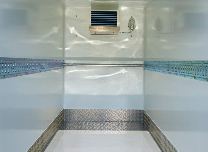enkelasser-koelwagen-binnenkant-6,5kuub